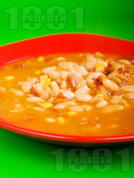Боб супа / чорба по тексаски с пушени свински гърди, чушки и лют пипер - снимка на рецептата